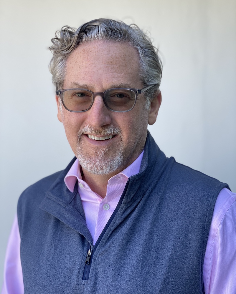 Head shot of Perry Steinberg